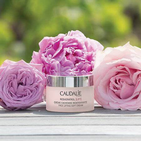 kem-duong-caudalie-face-lifting-soft-cream-04