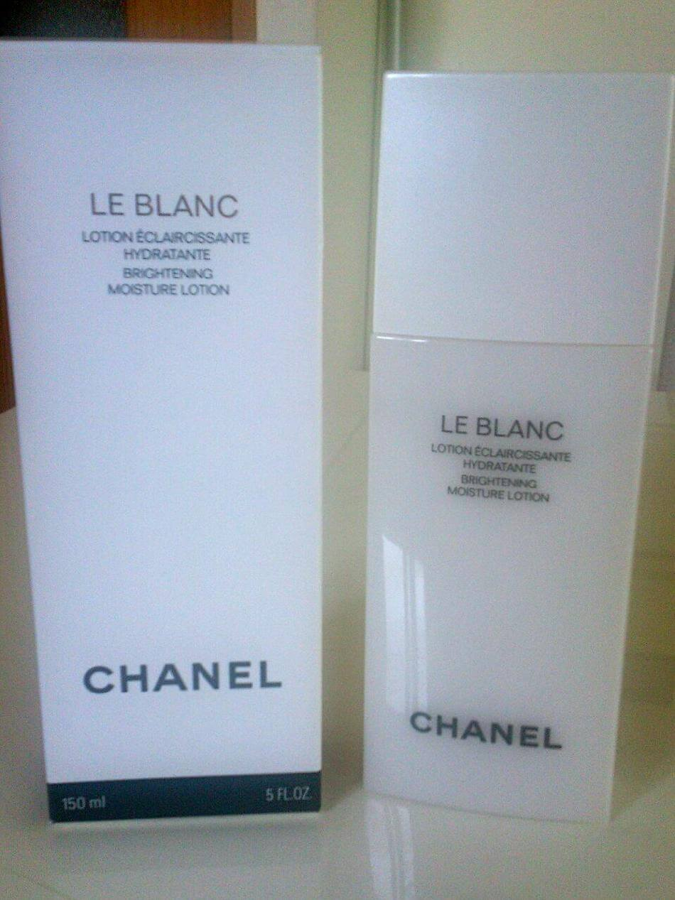 kem-duong-chanel-brightening-moisturising-lotion-02