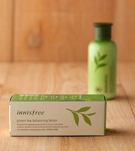 kem-duong-innisfree-duong-am-green-tea-balancing-lotion-01