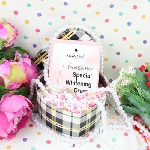 Kem dưỡng Sakura Pearl Silk Rich Special Whitening Cream