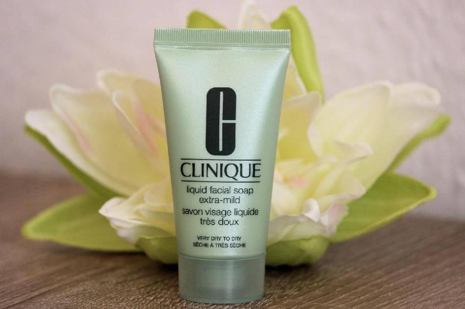 sua-rua-mat-clinique-liquid-facial-soap-tube-01