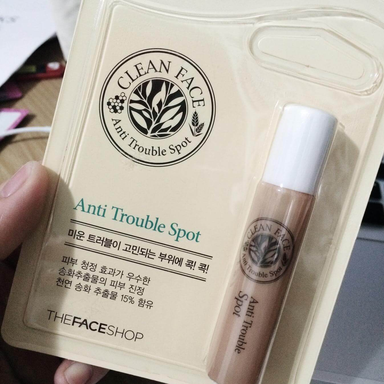 tinh-chat-tri-mun-thefaceshop-duong-da-clean-face-anti-trouble-spot-01