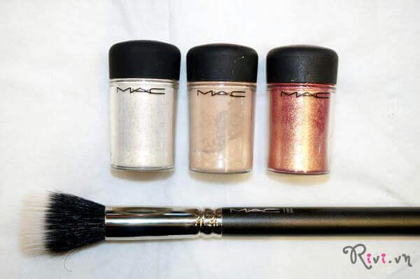 phan-bong-mat-mac-trang-diem-mat-pigment-04