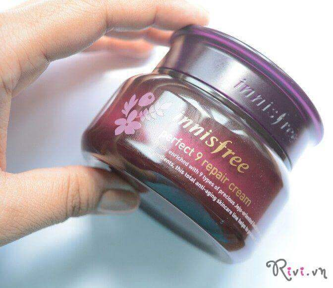 kem-mat-innisfree-kem-duong-mat-perfect-9-repair-eye-cream-04-1