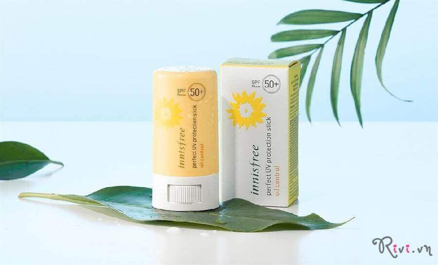 kem-nang-innisfree-suncare-uv-protection-stick-oil-control-01
