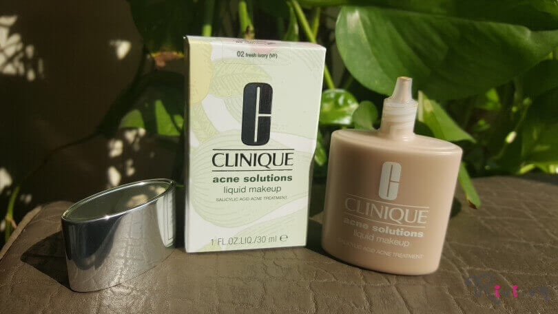 kem-nen-clinique-trang-diem-mat-acne-solutions-liquid-makeup-01