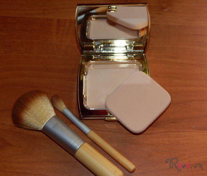 phan-phu-missha-makeup-prism-glow-powder-pact-05