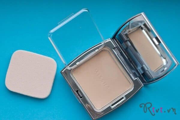 phan-phu-missha-makeup-prism-glow-powder-pact-spf36pa-no1