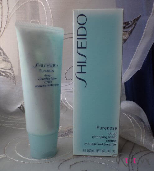 sua-rua-mat-shiseido-deep-cleansing-foam-02