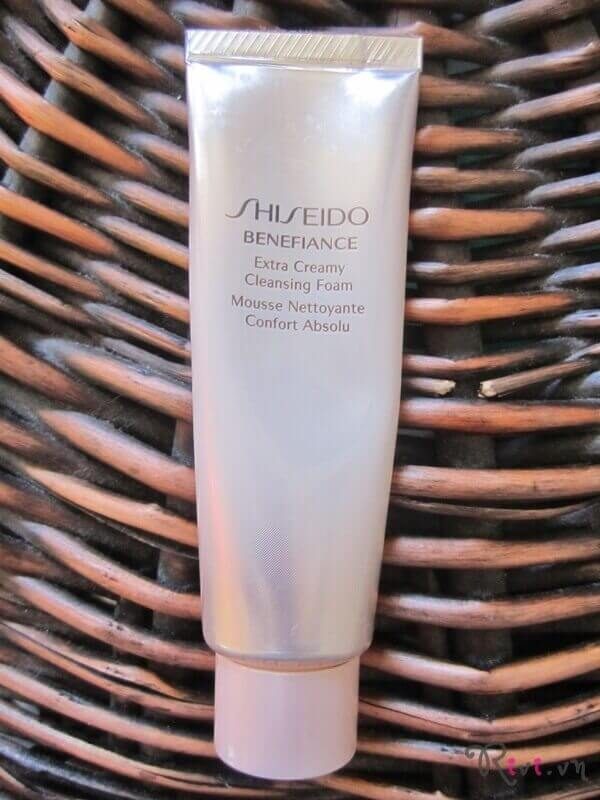 sua-rua-mat-shiseido-extra-creamy-cleansing-foam-01