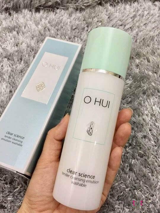 sua-tay-trang-ohui-lam-sach-emulsion-01