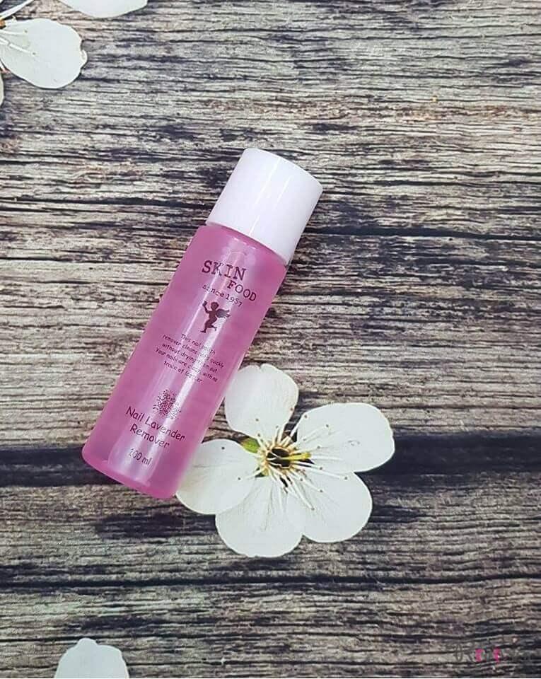 tay-trang-mong-skinfood-make-up-nail-lavender-remover01
