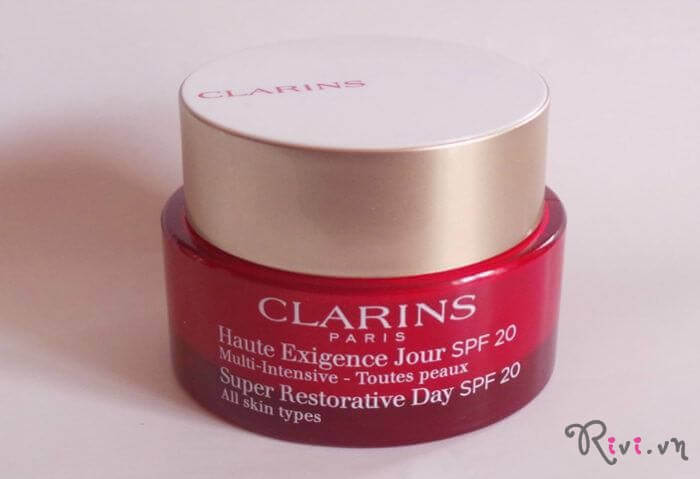 kem-duong-clarins-super-restorative-day-cream-spf-20-all-skin-types-02