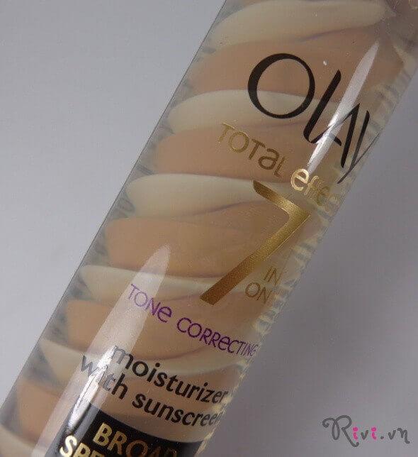 Kem dưỡng Olay OLAY TOTAL EFFECTS TONE CORRECTING CC CREAM LIGHT