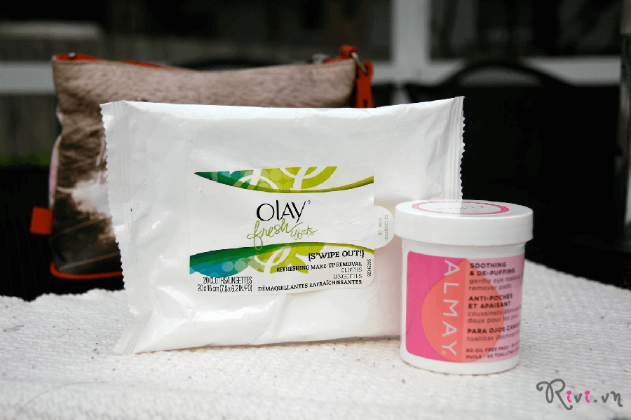 khan-tay-trang-olay-fresh-effects-s%e2%80%99wipe-out-make-up-removal-cloths-02