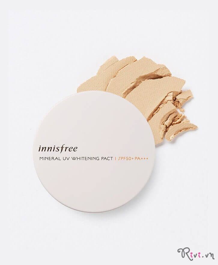 phan-phu-innisfree-makeup-mineral-uv-whitening-pact11g-02