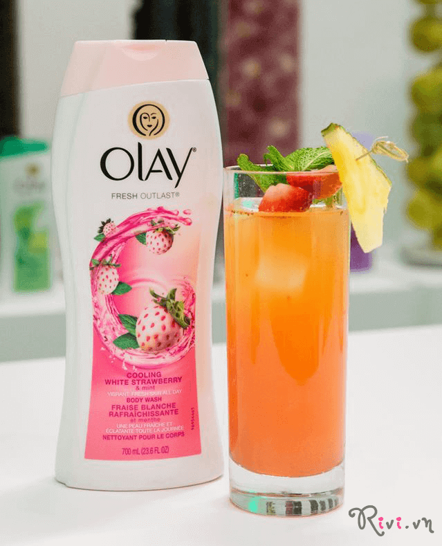 sua-tam-olay-olay-fresh-outlast-cooling-white-strawberry-01