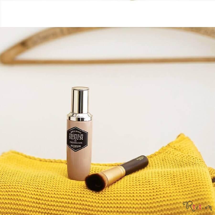 kem-nen-skinfood-make-up-propolis-serum-in-foundation-spf45-pa-01