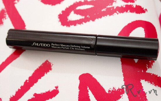 mascara-shiseido-trang-diem-mat-perfect-mascara-defining-volume-01