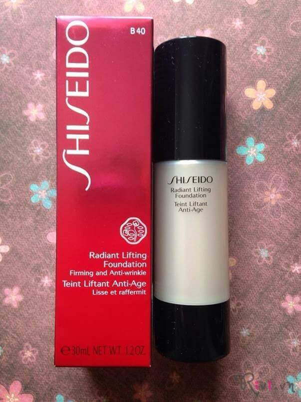 phan-nen-long-shiseido-trang-diem-mat-radiant-lifting-foundation-01