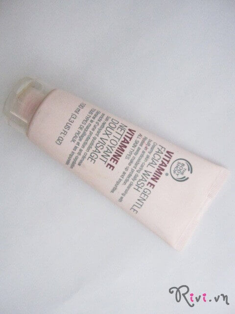 sua-rua-mat-thebodyshop-vitamin-e-gentle-facial-wash-125ml-02