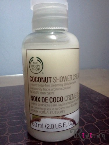 sua-tam-thebodyshop-coconut-shower-cream-250m-01