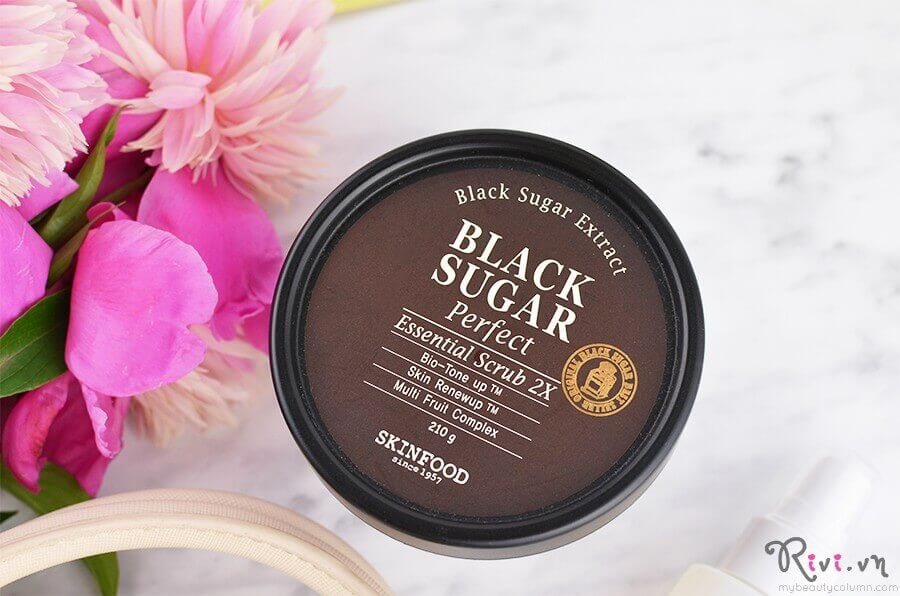 tay-te-bao-chet-skinfood-mask-black-sugar-perfect-essential-scrub-2x-02