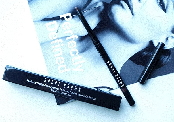 but-ke-mat-bobbi-brown-eye-perfectly-defined-gel-eyeliner-01