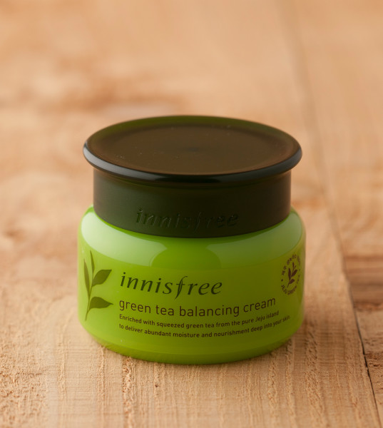 kem-duong-innisfree-duong-am-green-tea-balancing-cream-05
