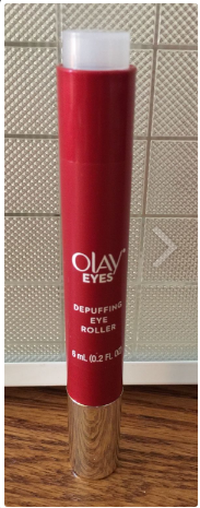 Kem dưỡng Olay OLAY EYES EYE DEPUFFING ROLLER FOR BAGS UNDER EYES