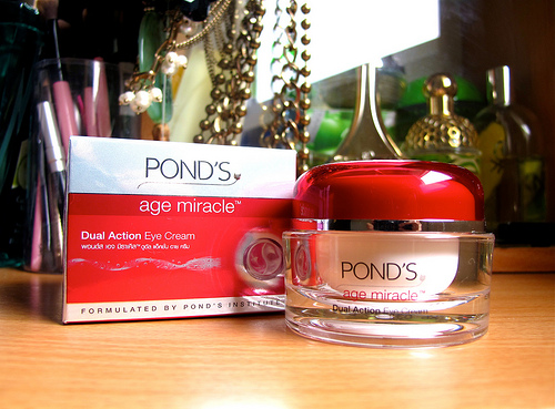 kem-duong-pond-skincare-cell-regen-dual-action-eye-cream-03