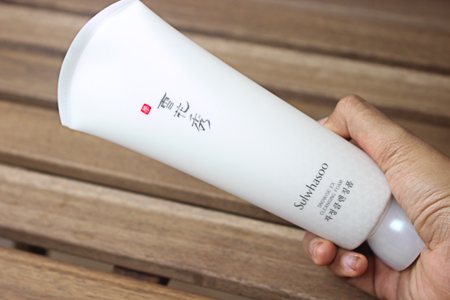 Làm sạch SULWHASOO Snowise EX Whitening Cleansing Foam