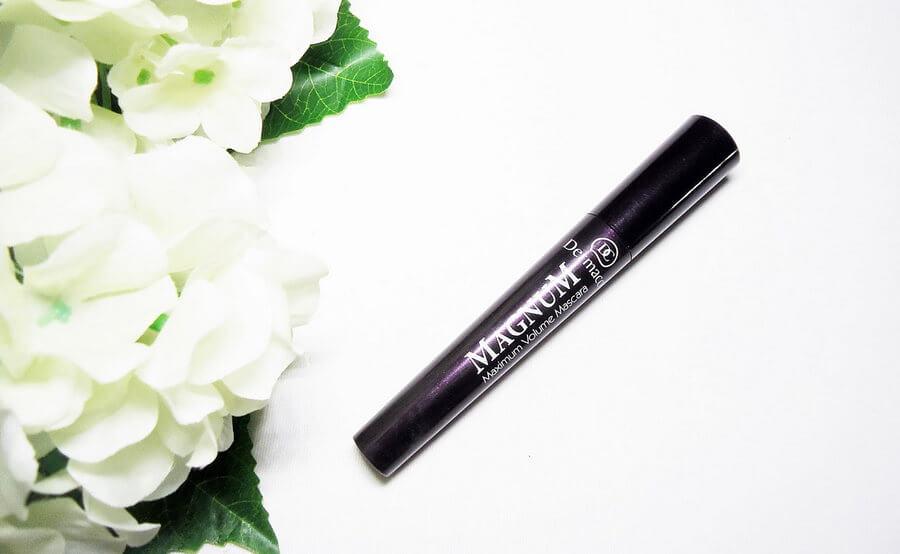 mascara-dermacol-make-up-magnum-maximum-volume-mascara-05