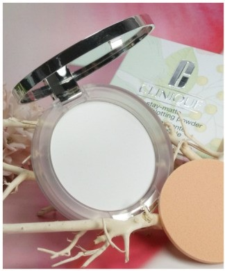 phan-phu-clinique-trang-diem-mat-stay-matte-universal-blotting-powder-27