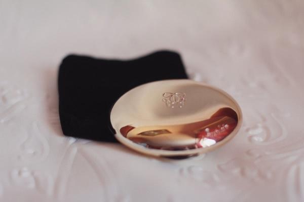phan-phu-guerlain-makeup-translucent-compact-powder-mattifying-veil-01