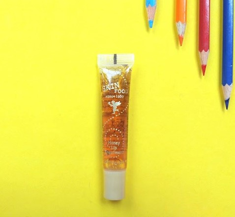 son-duong-moi-skinfood-make-up-honey-lip-treatment-04