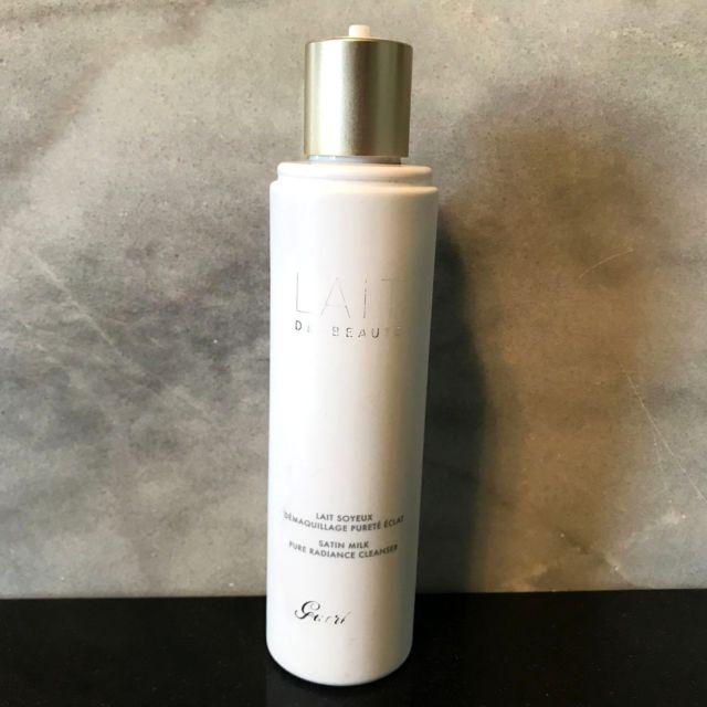 sua-rua-mat-guerlain-skincare-lait-de-beauty-cleansing-milk-03