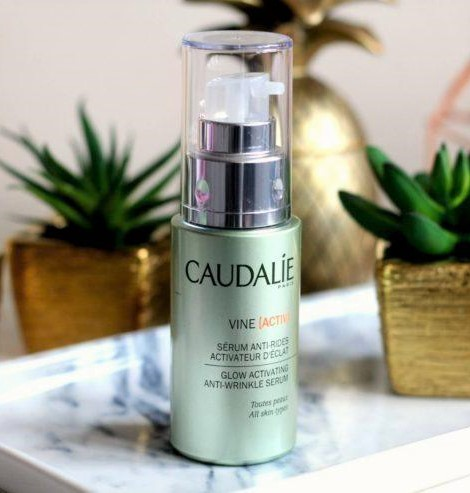 tinh-chat-caudalie-glow-activating-anti-wrinkle-serum-05