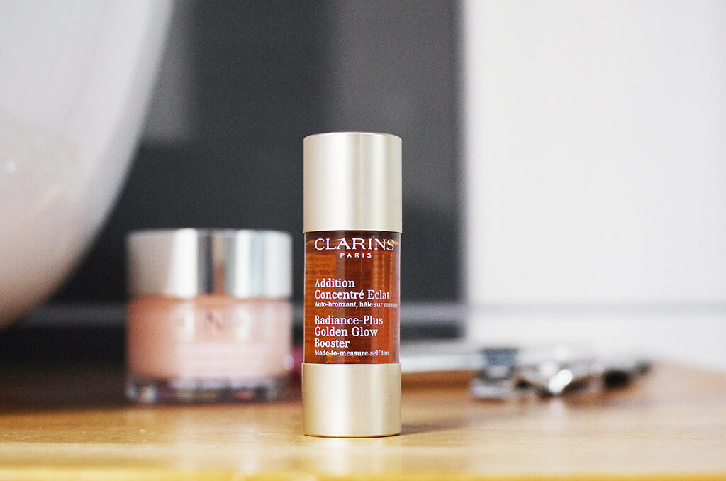 Tinh chất  Clarins Suncare Radiance-Plus Golden Glow Booster