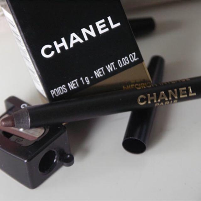 chi-ke-mat-chanel-trang-diem-mat-le-crayon-yeux-01