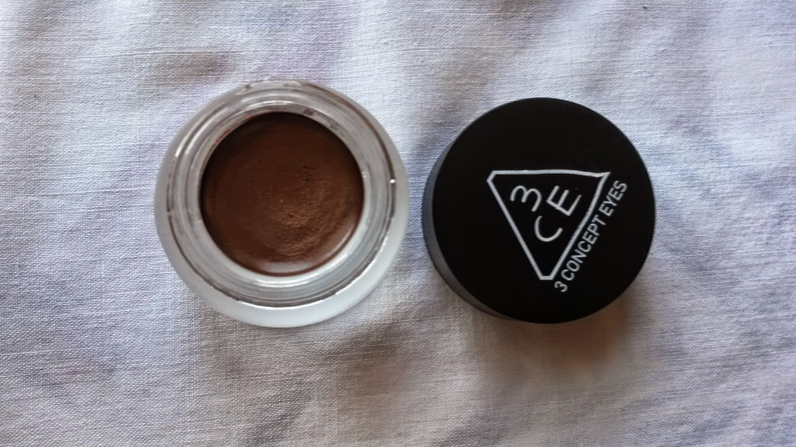ke-mat-3ce-makeup-glam-cream-shadow-glamorous-04