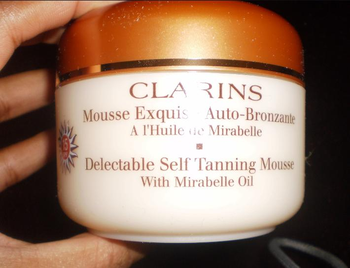 Kem chống nắng Clarins Suncare Delectable Self Tanning Mousse SPF 15