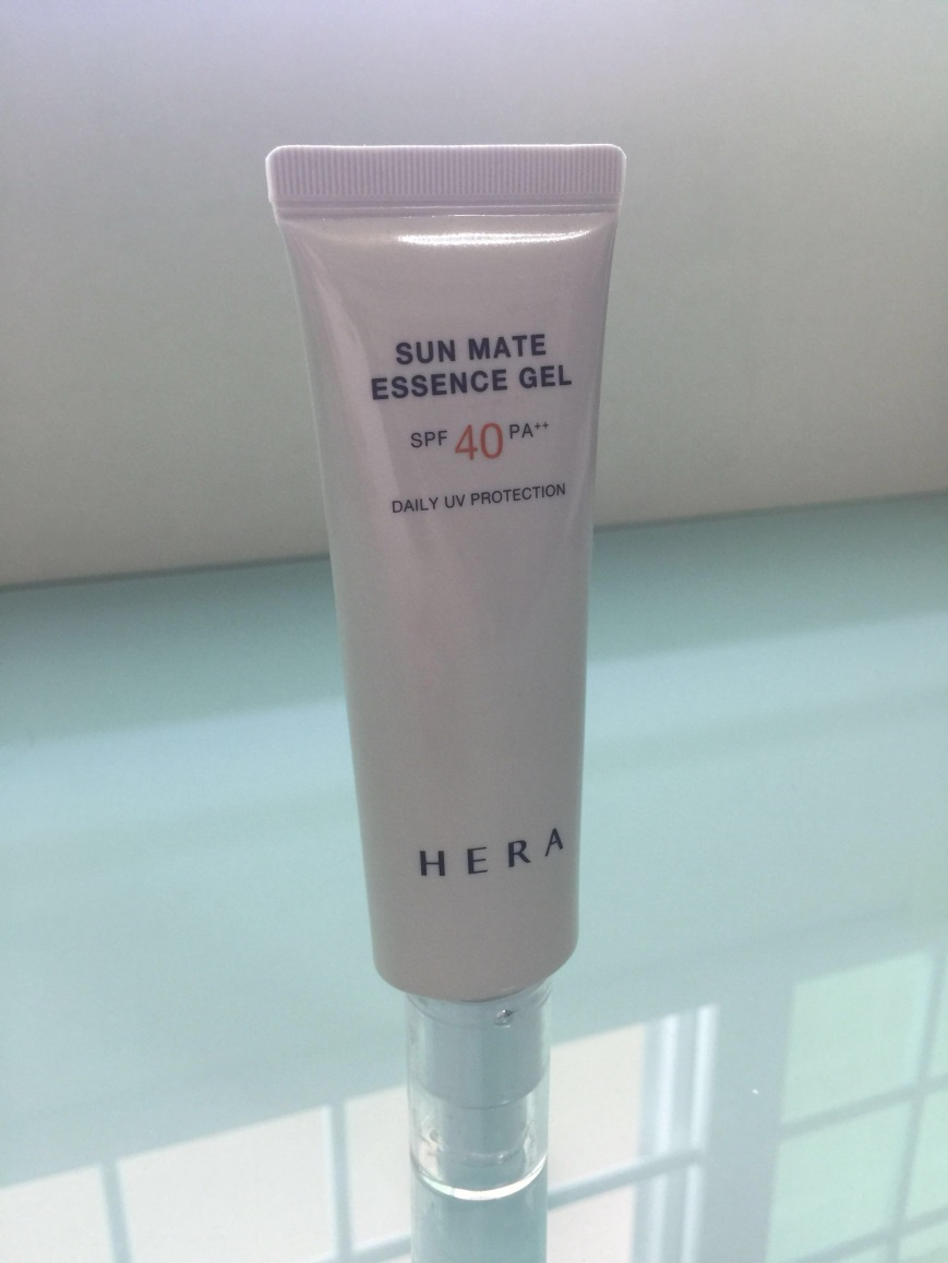 Kem chống nắng HERA Skincare SUN MATE ESSENCE GEL SPF40 PA++