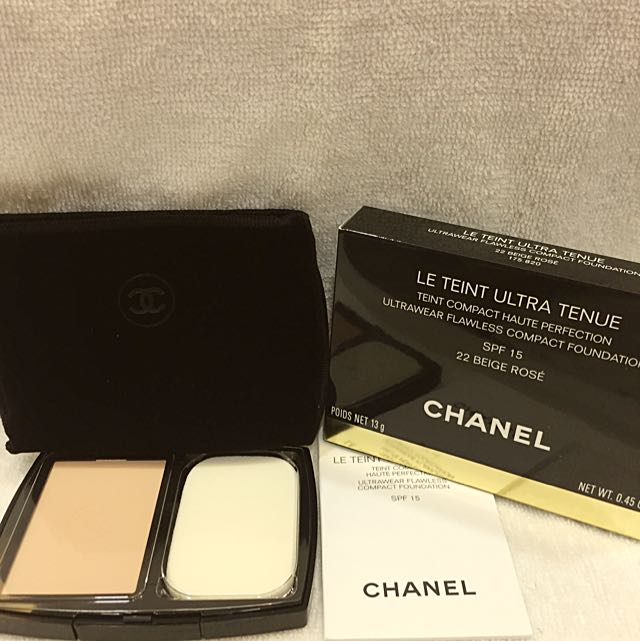 kem-nen-chanel-ultrawear-flawless-compact-foundation-spf-15-01