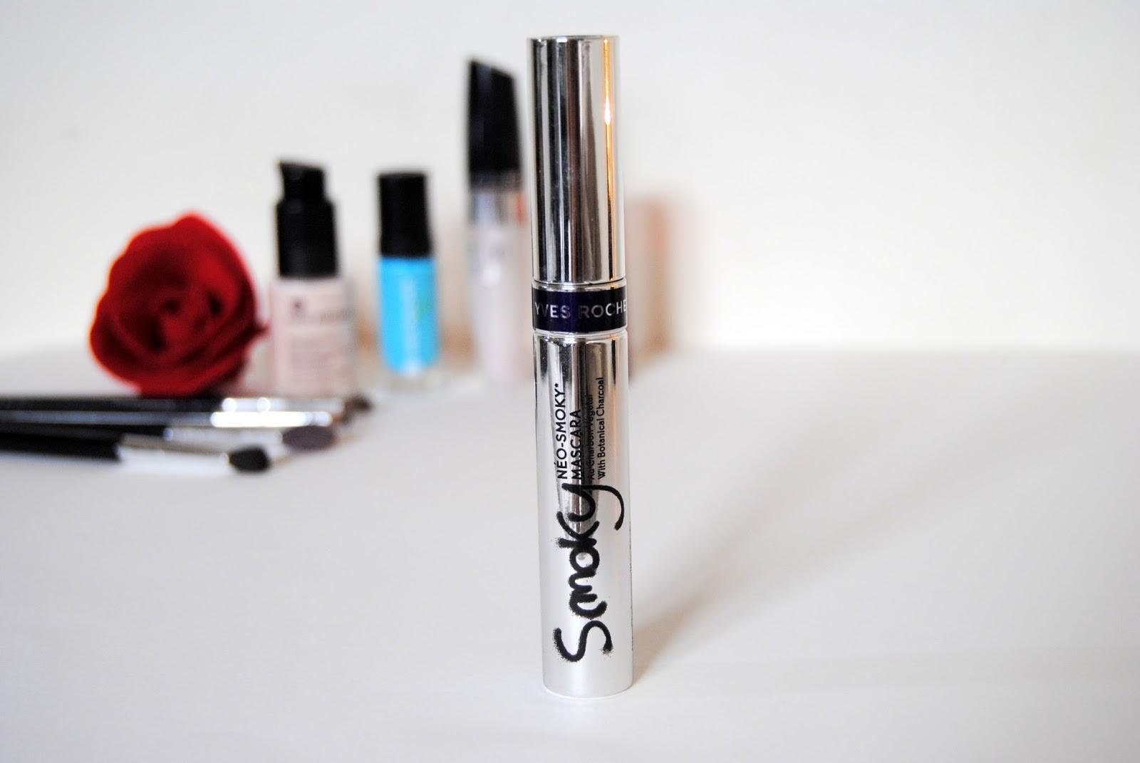 mascara-yves-rocher-trang-diem-mat-neo-smoky-mascara-01
