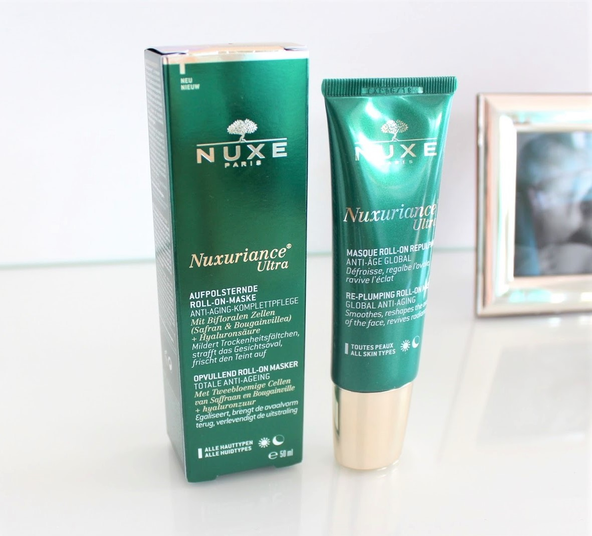 mat-na-kem-nuxe-skincare-anti-aging-roll-on-mask-nuxuriance-ultra-02