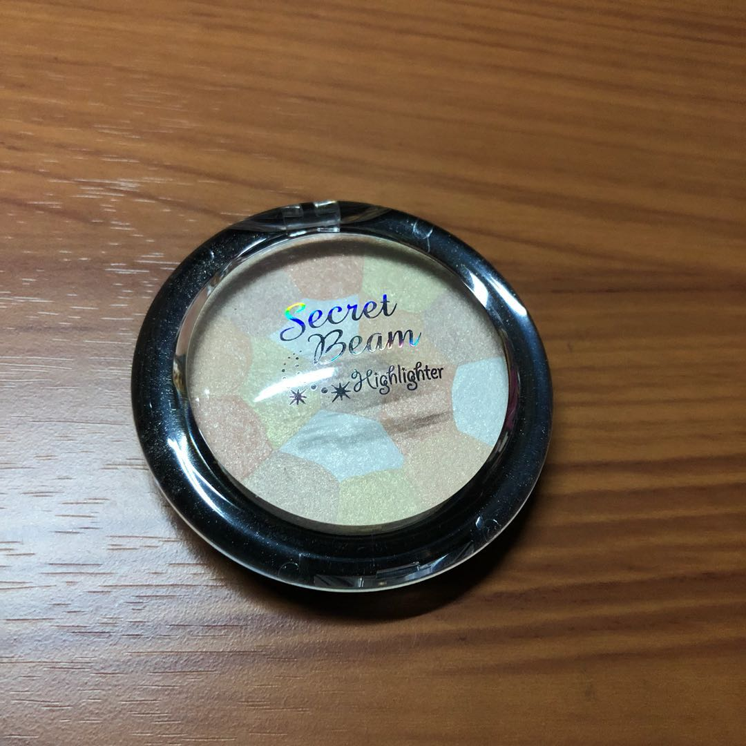 phan-phu-etude-house-face-secret-beam-highlighter-01