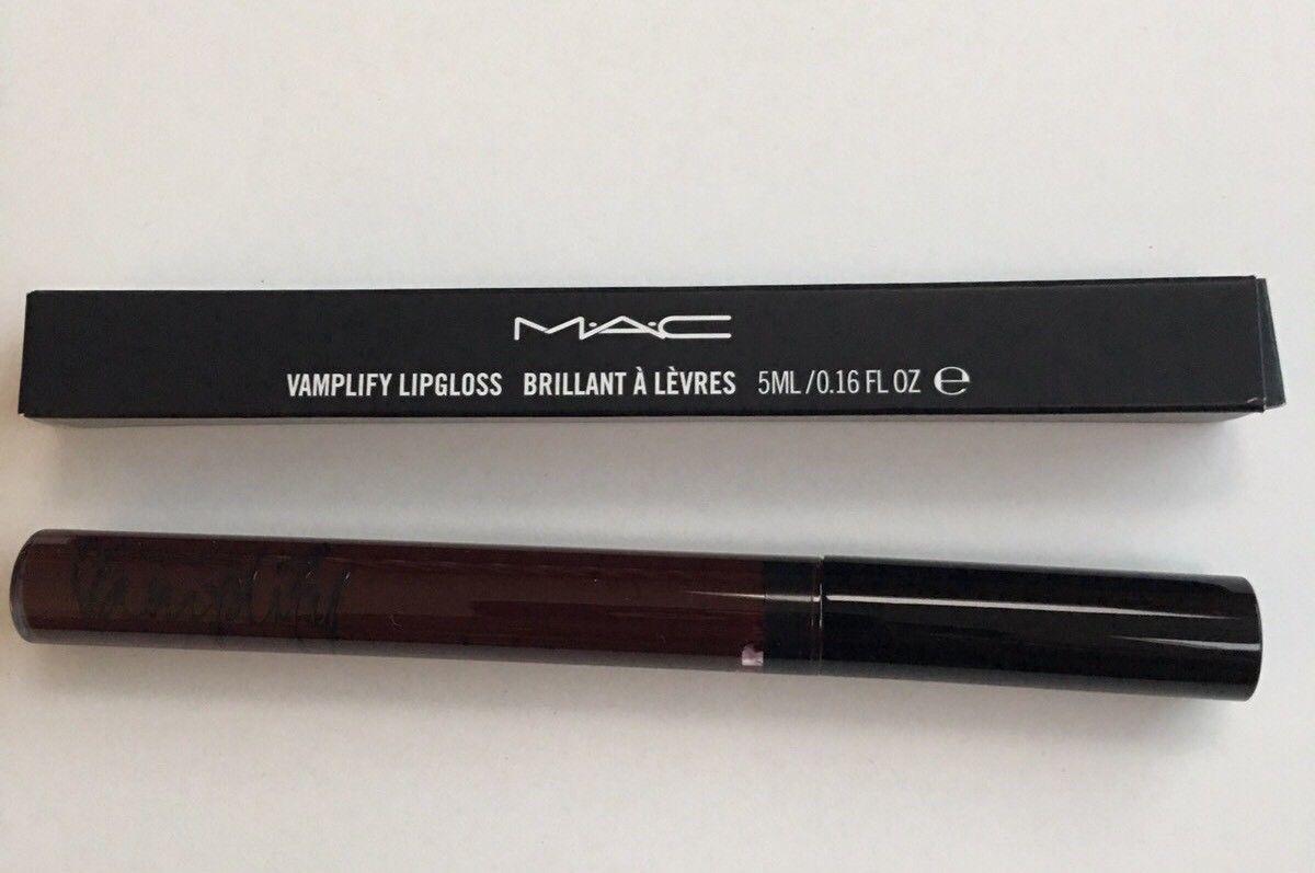 Son bóng M.A.C Trang điểm môi VAMPLIFY / BLACK PLUM