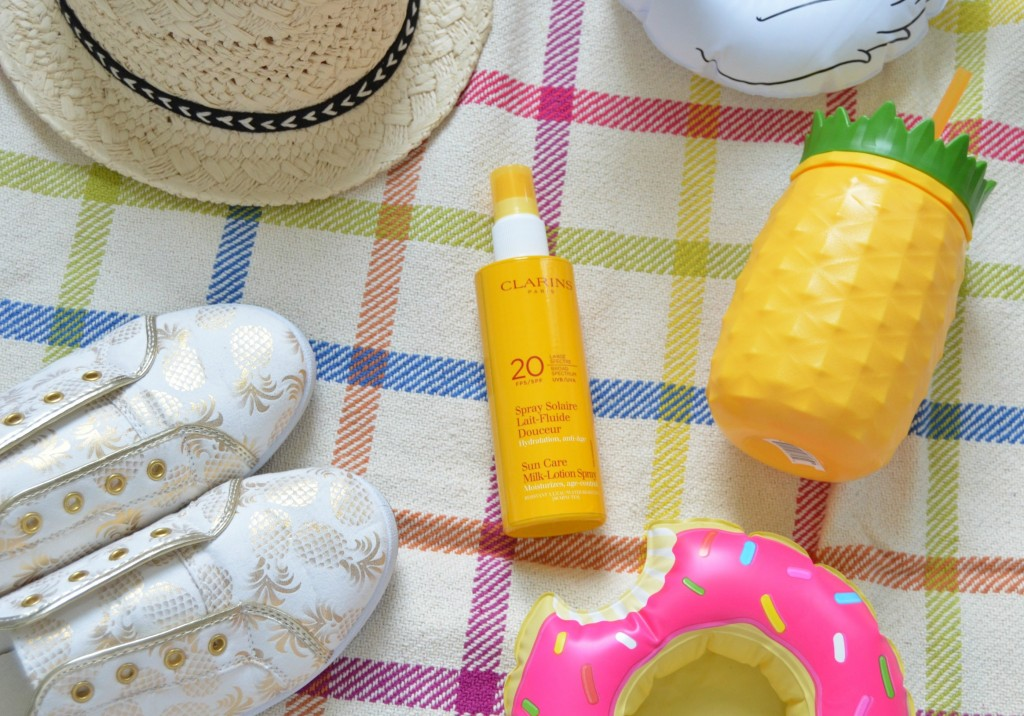 Sữa chống nắng Clarins Sun Care Milk For Children 100% mineral screen