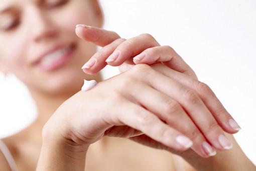 dưỡng da tay Trilogy Rose Hand Cream